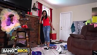 BANGBROS - Latin Housekeeper Vienna Black Accepts My Come through